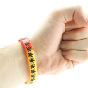 Wristband Rasta Pvc Green Yellow Red Colors Black Leaves